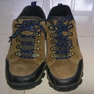 駱駝秋冬(防水透氣)戶外保暖防撞鞋頭設計 登山鞋溯溪鞋釣魚鞋  尺寸:歐碼42吋