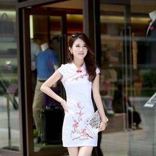 BNWT White Embroidery Cheongsam W Mandarin Collar