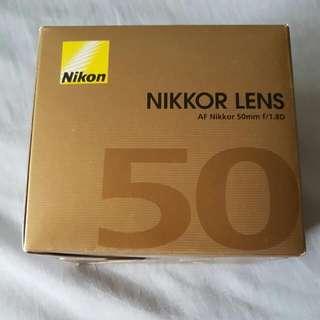(BNIB) Nikon AF FX NIKKOR 50mm f/1.8D Lens with Auto Focus for Nikon DSLR Cameras