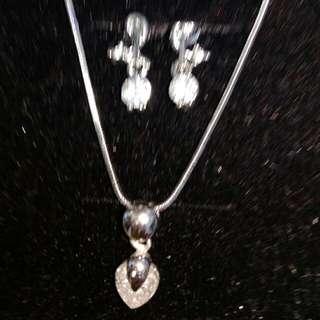 🚚 鋯石項鍊及耳環套件