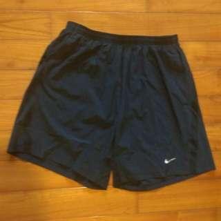 Nike 運動短褲 全新