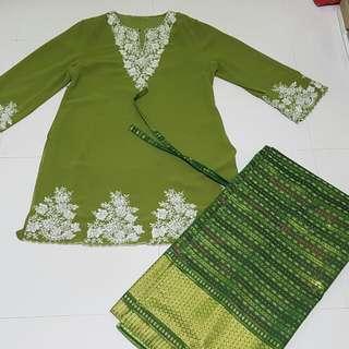 Green baju kurung for women