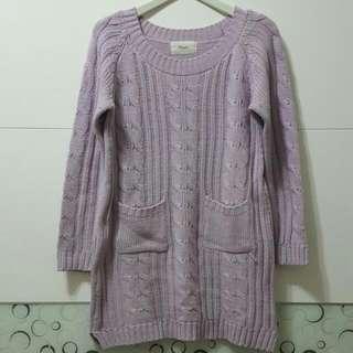 淡紫色長版針織上衣