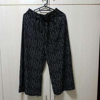 Bn Black White Stripe Culottes From Taiwan Free Size With Adjustable N String Waistband