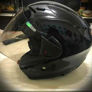 ZEUS安全帽  黑  九成新  保護您的騎車安全 ((私訊優惠中