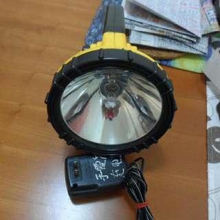 🚚 特力屋買的手持式電燈