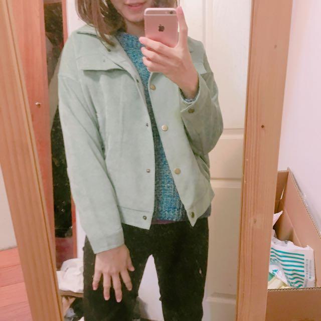 藍綠色夾克外套