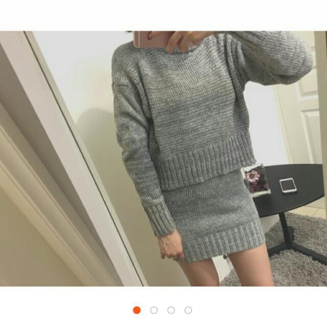 淺灰色套裝