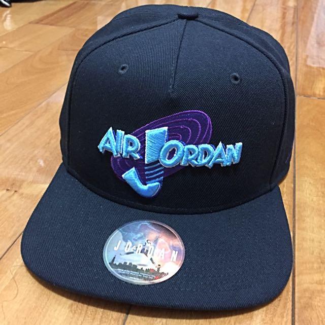 Air Jordan Space Jam怪物奇兵後扣帽
