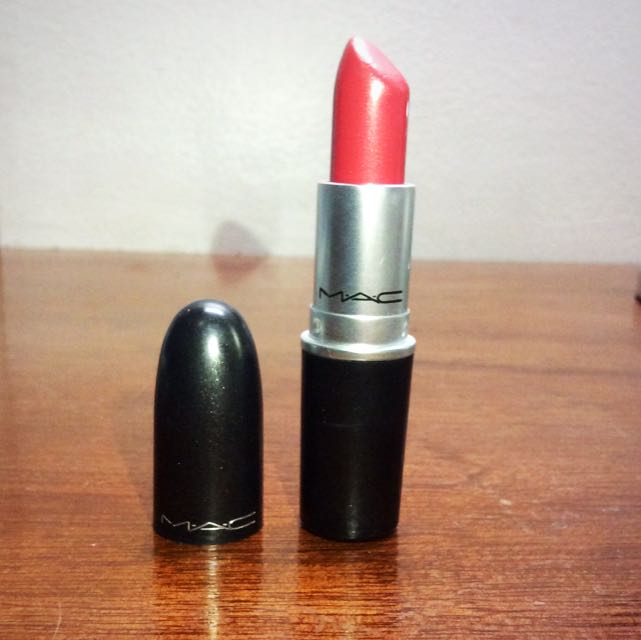 Authentic MAC Lipstick (FREE SHIPPING)