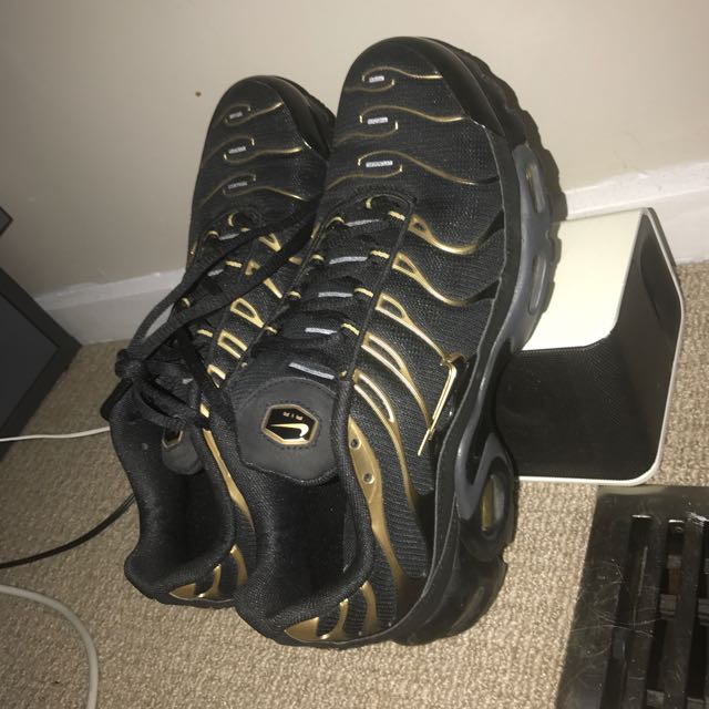 save off 4636f edc75 Black And Gold Tns, Men's 8, Men's Fashion, Footwear on ...