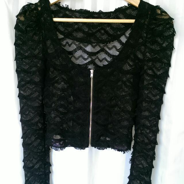 Black Lace Crop Size 6