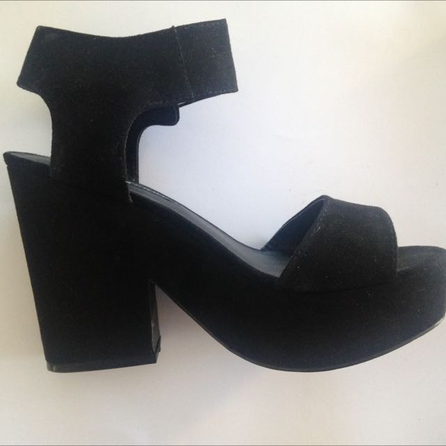 Black Suede Heels Size 9