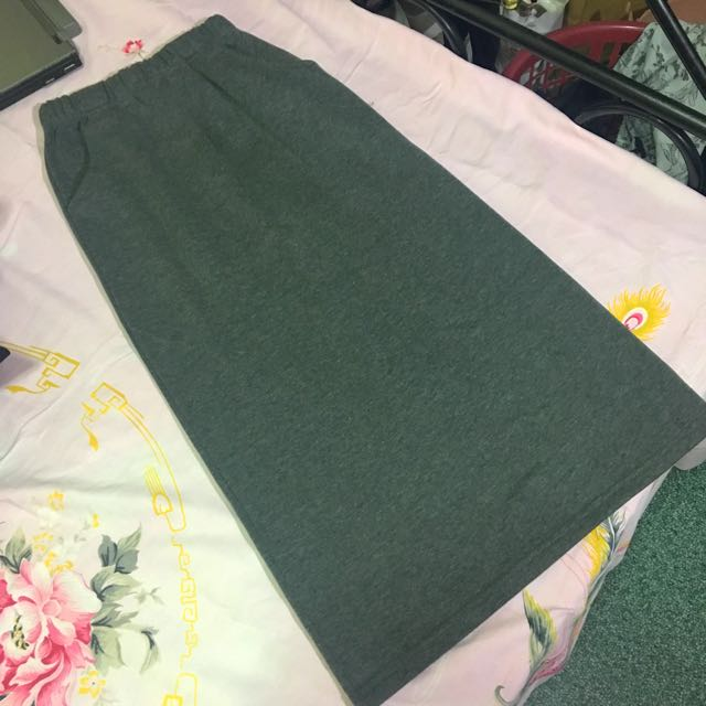 Gray Long Skirt with pockets