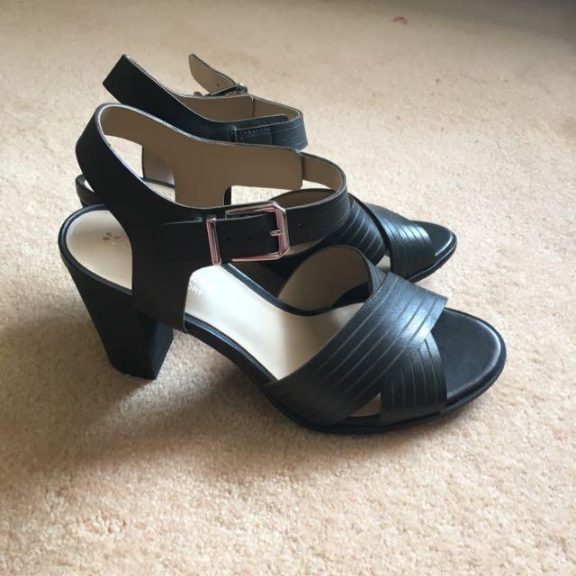Naturalizer Leather Sandal Heels
