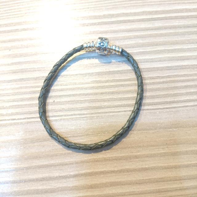 Pandora潘朵拉全新17cm灰色皮繩