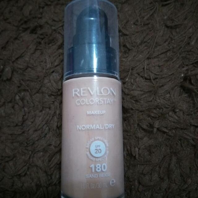 Revlon Foundation (Sand Beige)