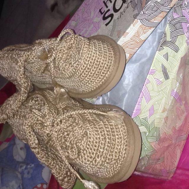 Thesak Shoe
