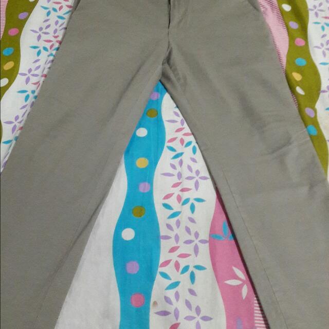 Uniqlo brand slim fit straight jeans