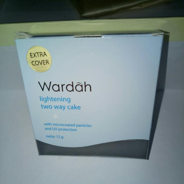 Wardah Lightening Two Way Cake Extra Cover