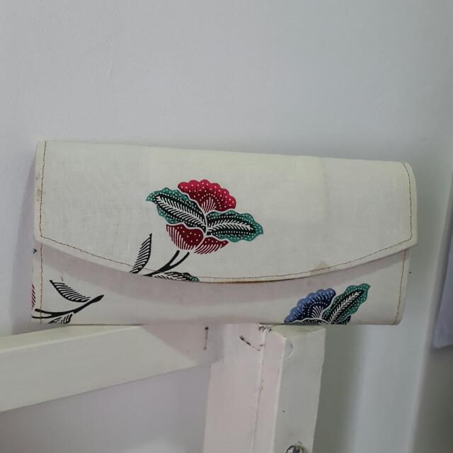 White Batik Clutch Bag - Tas Clutch Wanita