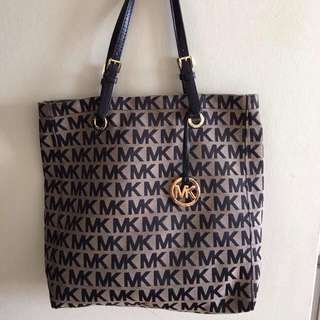 100%authentic Mk Purse