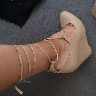 Lace Up Wedge Size 8