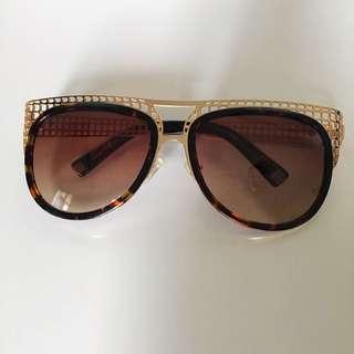 Louis Vuitton sunglasses - Replica
