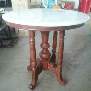 Retro Round Top Marble Table