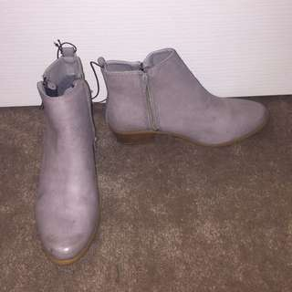 Grey Boots Size 6 Brand New