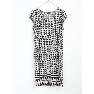 Geometric pattern shift dress