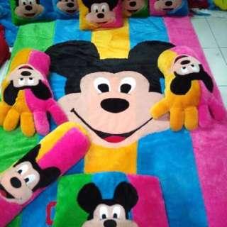Karpet Mickey Mouse
