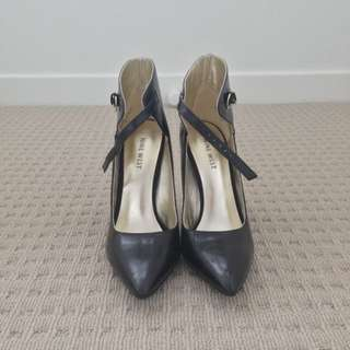 Nine West Black Pointed Shoes