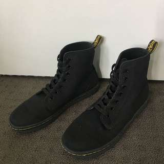 DR MARTENS Shoreditch 7 Eye Boots (Black Noir)