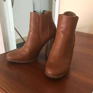 Novo Size 6 Platform Ankle Boots Bought Last Year