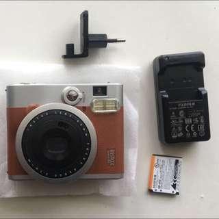 (NEW) Polaroid Fuji Instax 90 Neo Classic