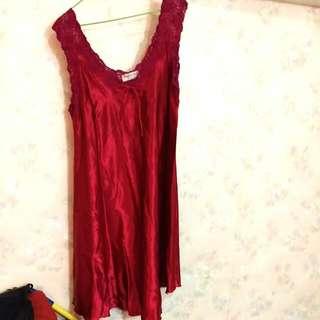 艷紅色睡衣