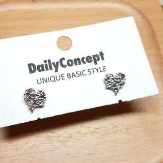 日本製精緻高品質銀色心形閃石耳環