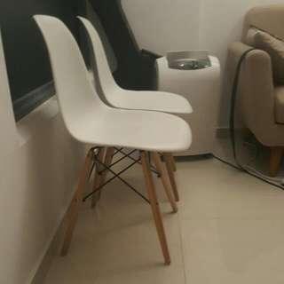 White Scandinavian Chair