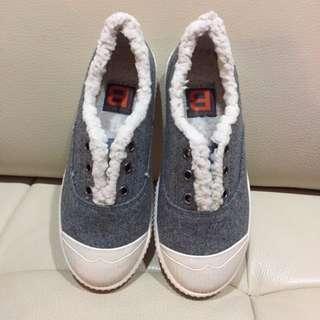 🇰🇷全新現貨👉🏻韓國帶回 童鞋 秋冬鋪毛保暖懶人鞋 無鞋帶 休閒鞋
