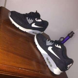 Nike Air Max BLACK AND WHITE