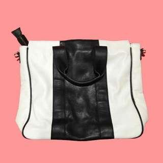 Forever 21 : Black & White Bag