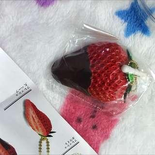 草莓扭蛋防塵塞