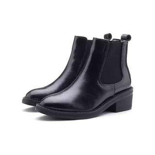 安娜二手 東區小店購入 英倫風格7cm尖頭雀兒喜尖頭短靴