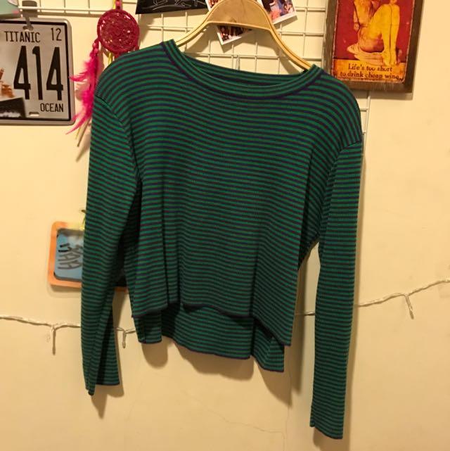綠紫短版針織上衣