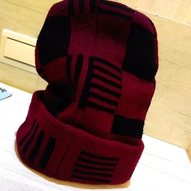 全新酒紅色毛帽