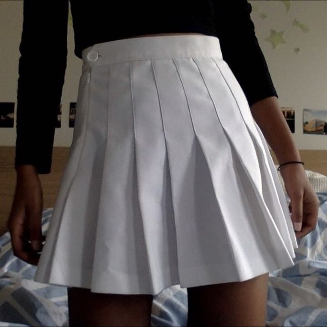 AMERICAN APPAREL white tennis skirt