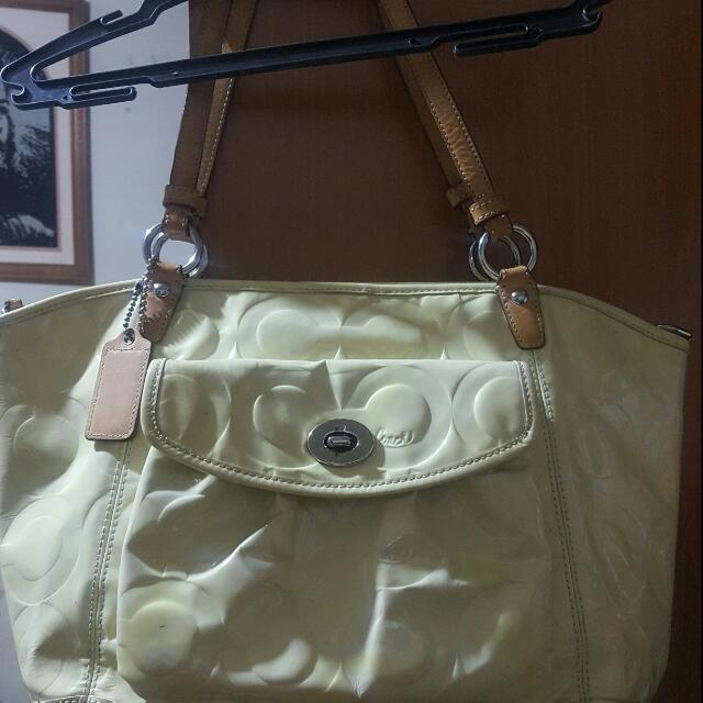Reserved Authentic COACH preloved Bag