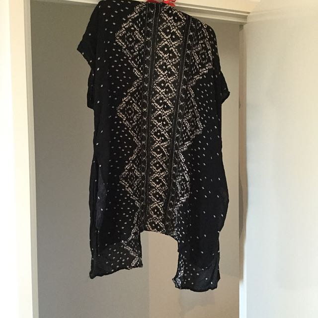 Black And Cream Kimono - Size 8