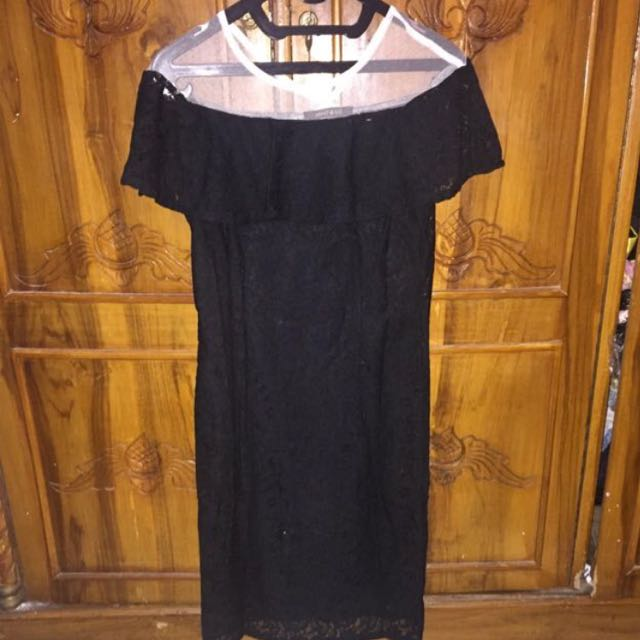 Brukat Black Dress